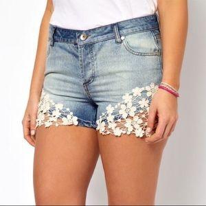 Crochet lace trim shorts